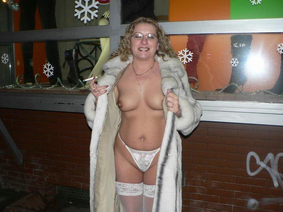 Mature Cougar Big Natural Tits